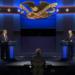 Den första presidentvalsdebatten med kandidaterna Trump och Biden bakom sina podiet och moderatorn Chris Wallace i mitten. Bilden är från C-SPAN.